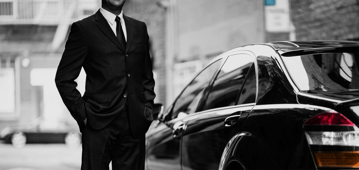For business in Paris? - Road Show, available ... A dedicated car at your service